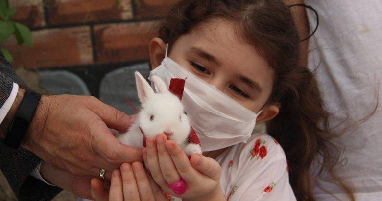 Başkan Erdoğan'dan yavru tavşan istemişti! Küçük Cemre hayaline kavuştu