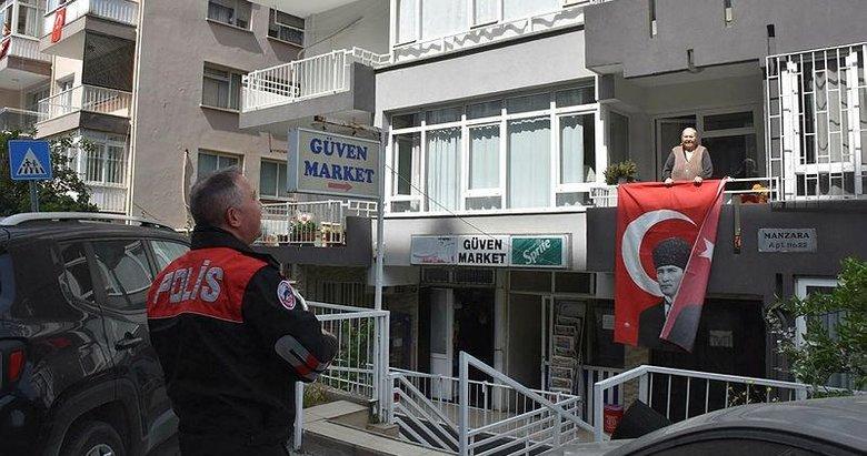 İzmir polisinden çocuklara bayram sürprizi