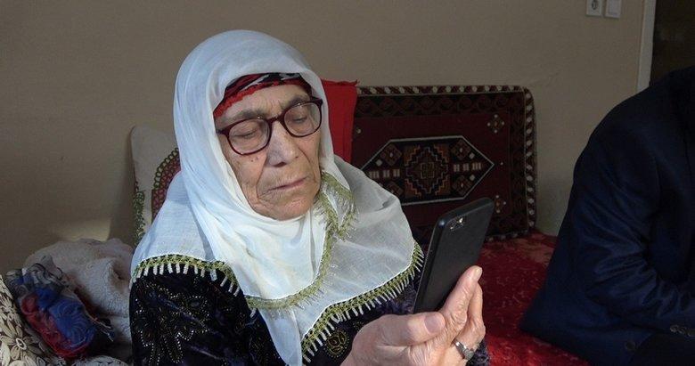 Evden çıkamayan yaşlılar akıllı telefon satışlarını artırdı