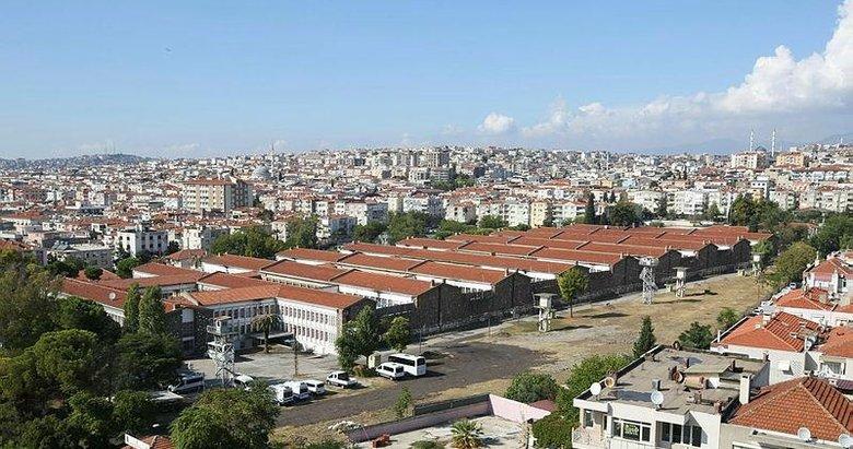 Deprem nedeniyle Buca Cezaevi boşaltıldı