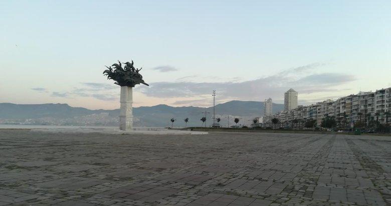 İzmir'de sokak kısıtlamasının ilk gününde kenti sessizlik sardı