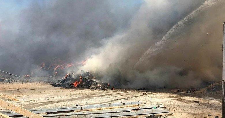 İzmir'de plastik atıkların depolandığı alanda yangın çıktı