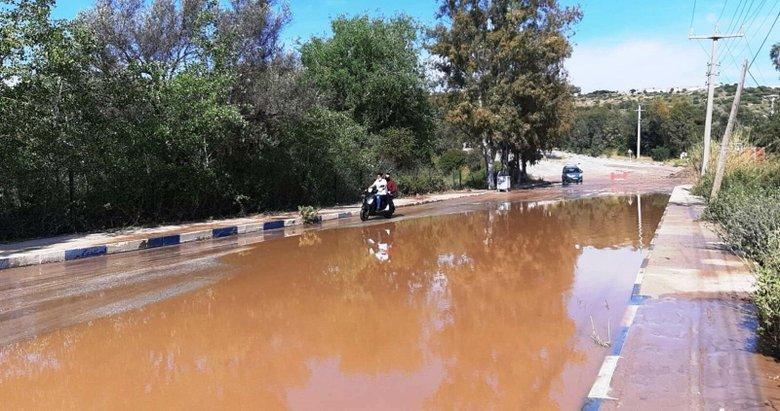 Bodrum'da patlayan su borusu çevreyi göle çevirdi