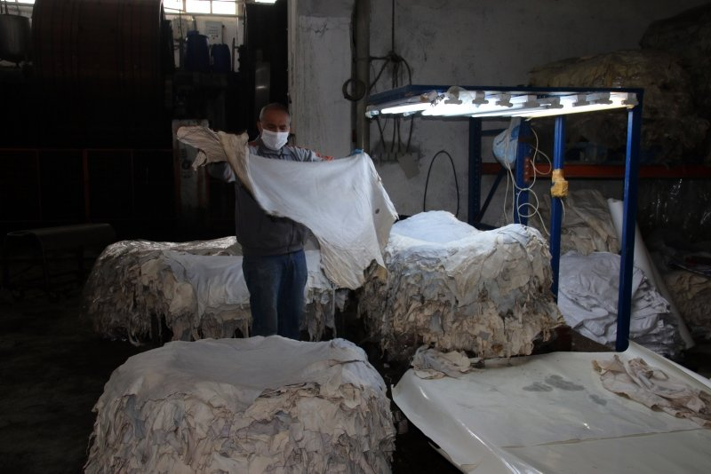 Uşak'ta üretilen ödüllü şeffaf deri, dünyaca ünlü markaların ilgisini çekiyor