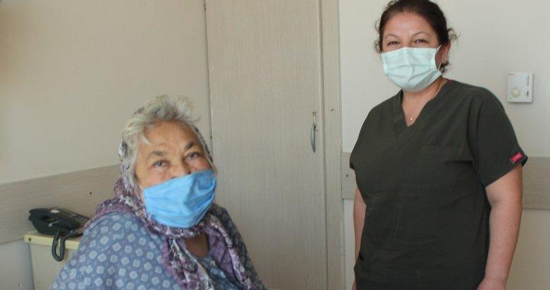 Çok sayıda kronik rahatsızlığı bulunan yaşlı kadın koronavirüsü yendi