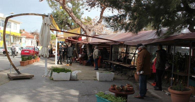 İzmir'deki deprem fırtınası sürüyor! Karaburun'da bazı dükkanlar tedbir amaçlı boşaltıldı