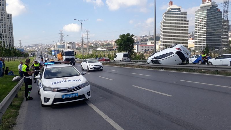 Sınav yolunda feci kaza!