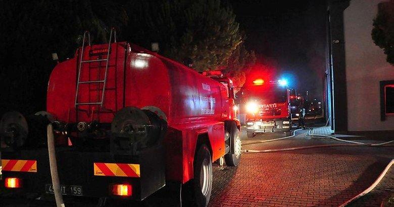 Manisa'da karton ambalaj fabrikasında korkutan yangın