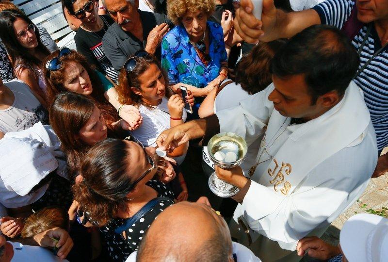 İzmir'e gelip bunları bağladılar! Selçuk'ta Meryemana Evi'nde ayin
