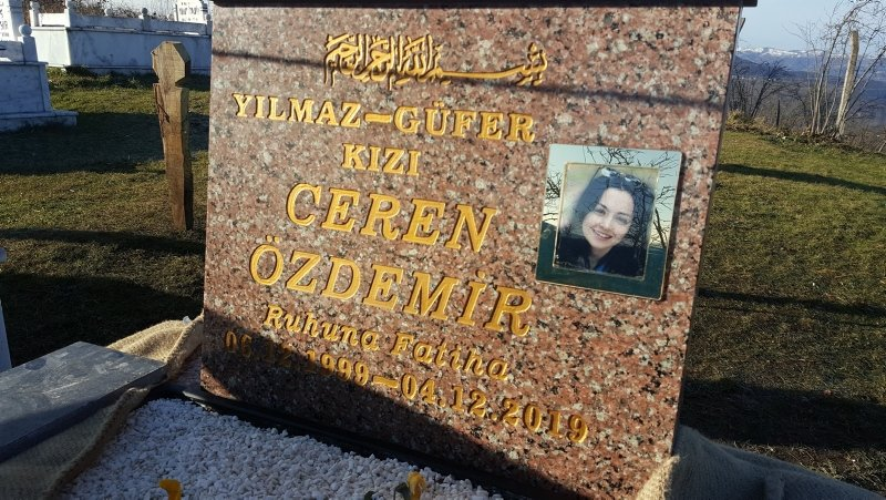 Ceren Özdemir'in mezar taşındaki yazı duygulandırdı