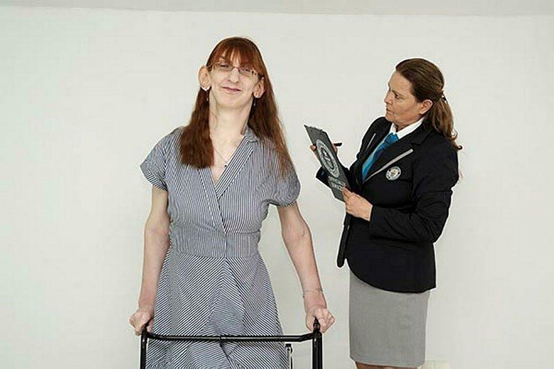 Dünyanın en uzun kadını ikinci kez 'Guinness Rekorlar Kitabı'nda