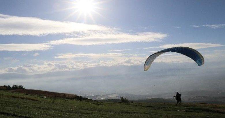 Pamukkale'de uçuş izinleri artık belediyeden alınacak
