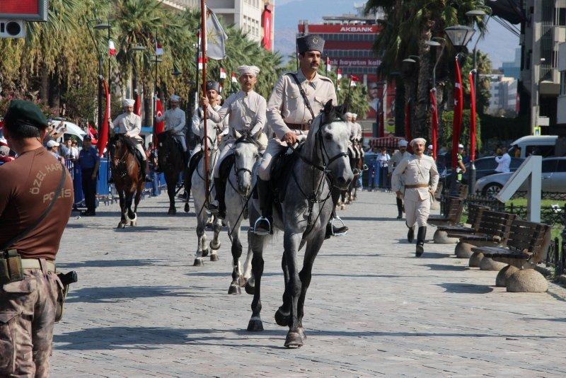 Konak'ta duygu yüklü 9 Eylül töreni
