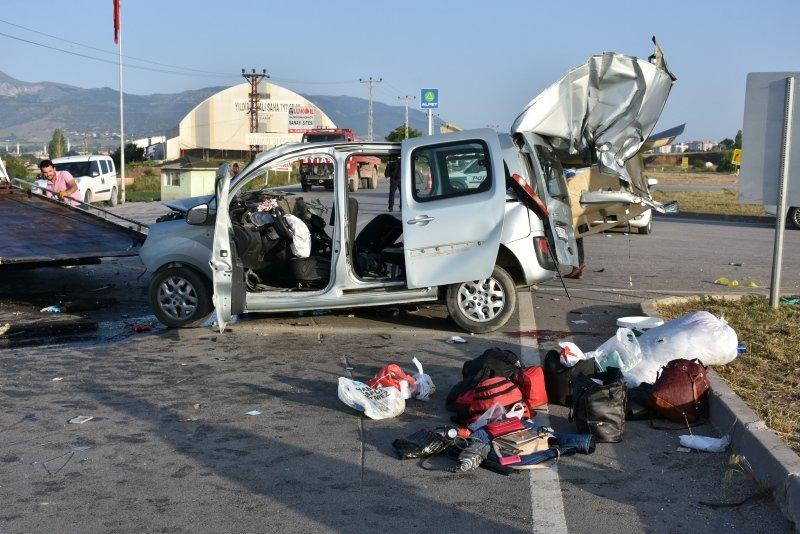 Amasyada trafik kazası: 3 ölü, 6 yaralı