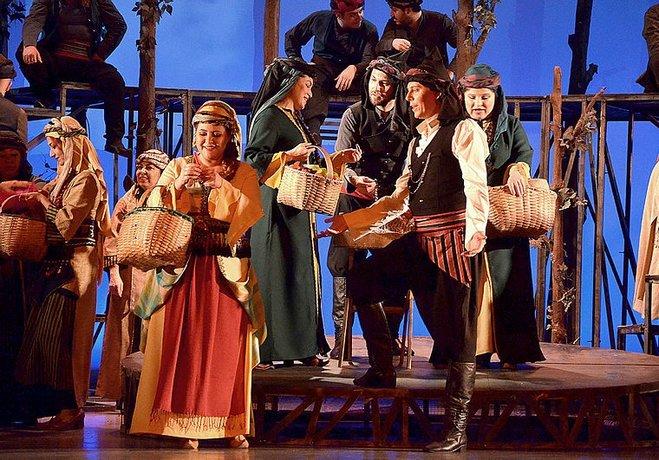 Hekimoğlu Operası yeniden İzmir'de
