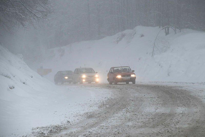 Kütahya'da ulaşıma kar engeli! Ekipler seferber oldu