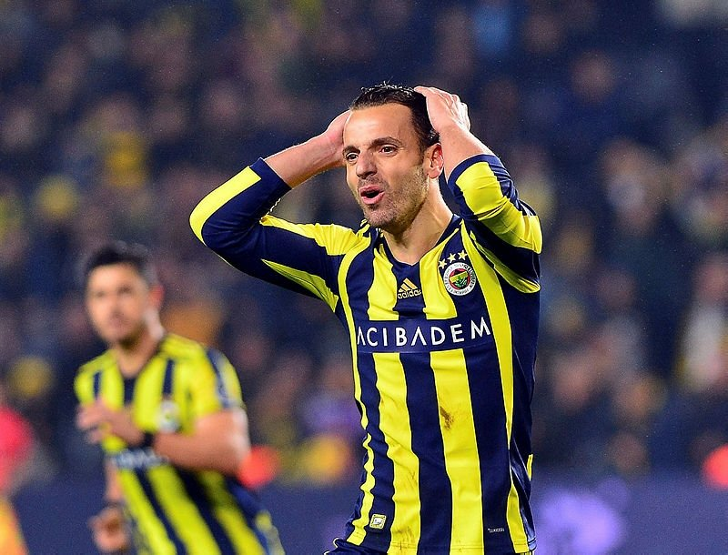 Fenerbahçe soyunma odası karıştı!