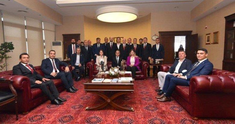 CHP'li Torbalı Belediyesi'nde skandal! Mecliste el kaldır maaşı kap