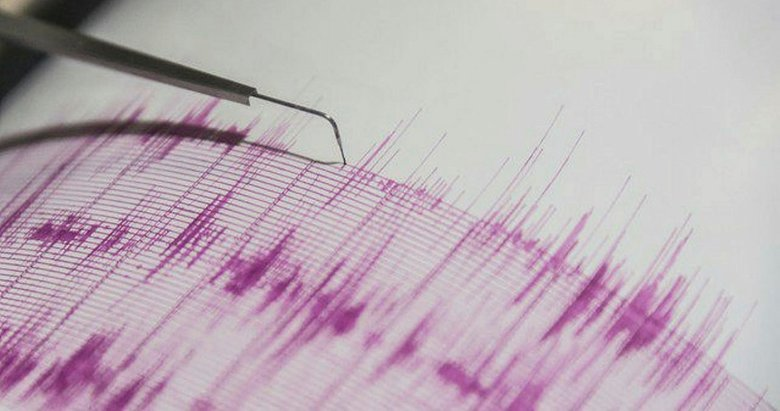 Ege'deki depremler ile ilgili uzmanından açıklama