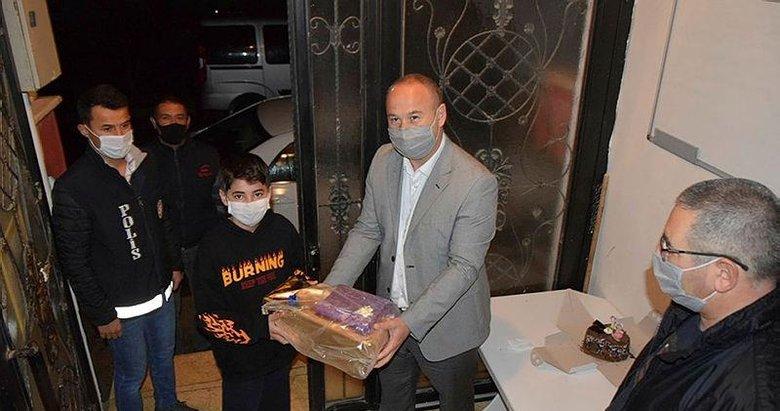 Anne ve babasından ayrı kalan Ahmet Eymen'e doğum günü sürprizi