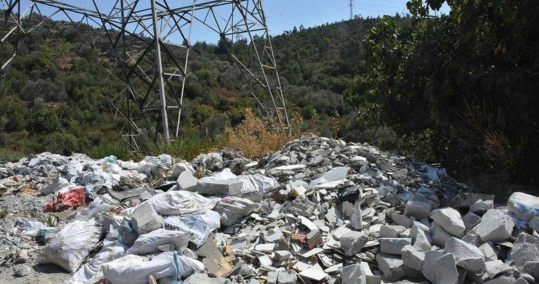 İzmir'de çevre kirliliği gittikçe artıyor! CHP'li belediye çözüm bulamıyor