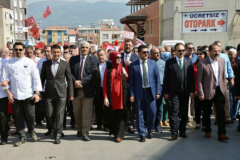 İzmir'de yarış başlıyor