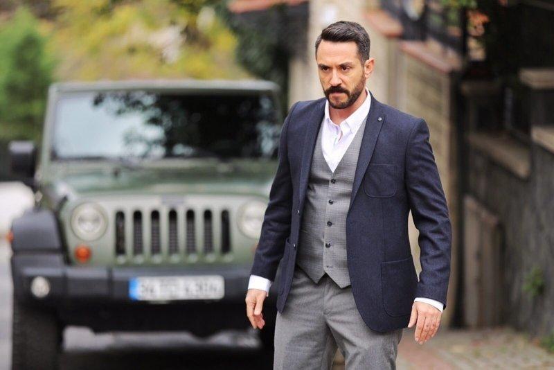 Gel Dese Aşk'ın yakışıklı oyuncusu Erkan Petekkaya'nın eşi bakın kim çıktı!