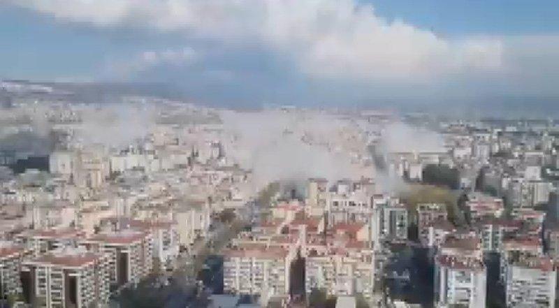 İzmir'de büyük deprem sonrası herkes telefona sarıldı