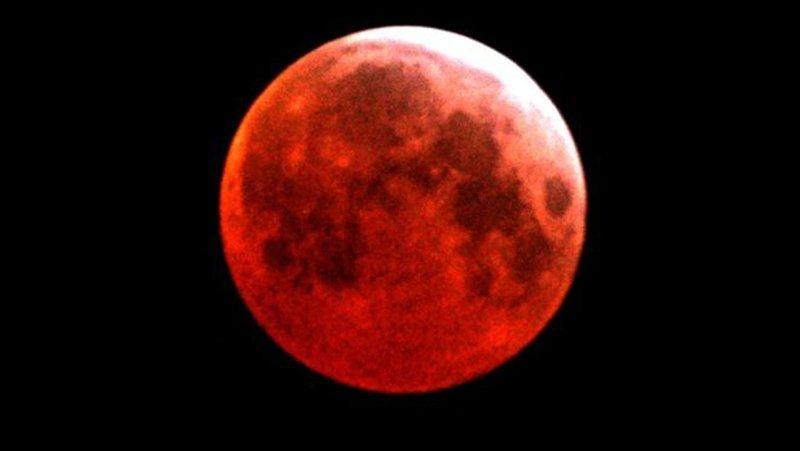 Yüzyılın en uzun Kanlı Ay Tutulması için geri sayım